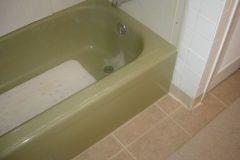 Green Bathtub Before Remodel_jpeg